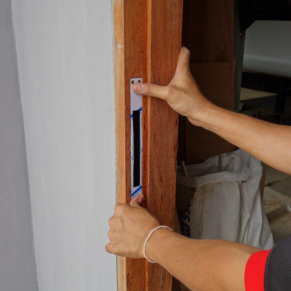 hướng dẫn lắp khóa vân tay có tay cầm