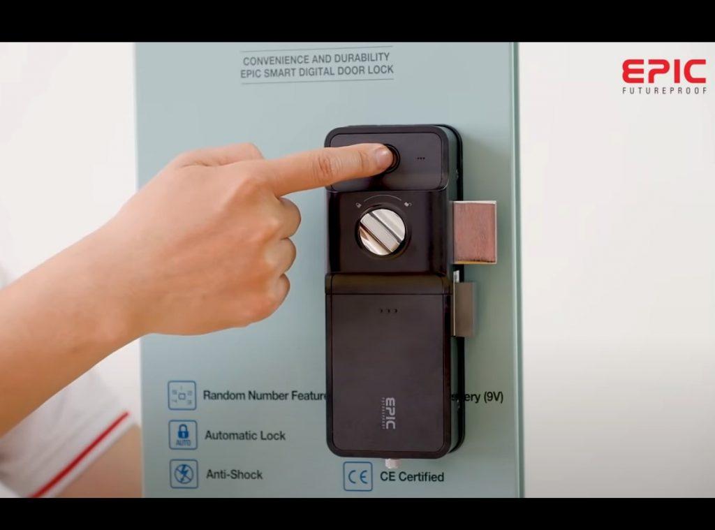 Epic f500D - khóa trái bên trong - giữ nút close 5s